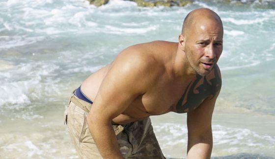 Tony Vlachos watches out on Survivor 2017