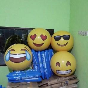 balon bola smile