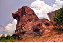 Patung merlion ala Batam di kawasan Batam Centre. (suryakepri.com/eddy mesakh)