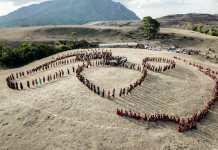 Tarian Likurai dibawakan ribuan orang di Festival