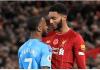 Raheem Sterling memprovokasi Joe Gomez saat laga Liverpool vs Manchester City di Anfiel, Minggu (10/11/2019)