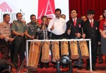 Ketua DPD PDIP Kepro HM Soerya Respationo pada Rakernas PSBI (Punguan Simbolon Dohot Boruna Indonesia ) di Hotel Harmoni One, Batam, Kamis (12/12) petang. FOTO: SURYAKEPRI.COM/IST