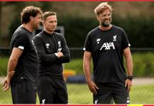 Manajer Liverpool Jurgen Klopp (kanan), bersama asisten manajer Peter Krawietz (kiri) dan pelatih Pepijn Lijnders. Tiga sosok penting dalam kebangkitan dan kesuksesan Liverpool ini telah menandatangani perpanjangan kontrak hingga 2024. (Foto: Liverpoolfc)