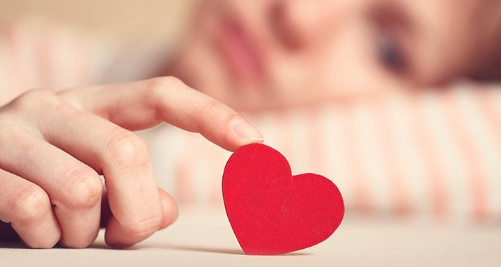 El amor romántico y la subversión social de las mujeres