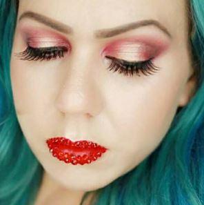 Missy Chrissy Jewled lips