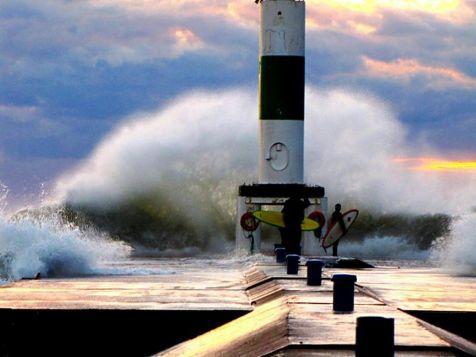 Lake MI Windstorm 10.27.10 surfer