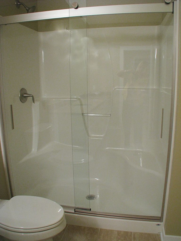 Step in shower with glass sliding doors & Showers u0026 Bath Tubs | Sawgrass Condos in Holland MI - Compagner