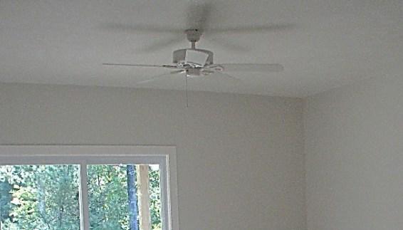 2430 Living room lighted ceiling fan