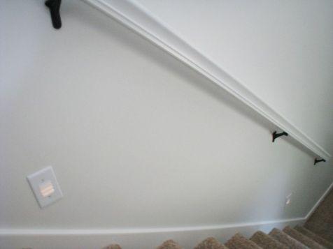 2444 Stairway railing