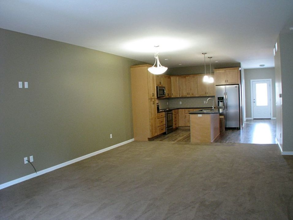 2506 View of dining area from living room