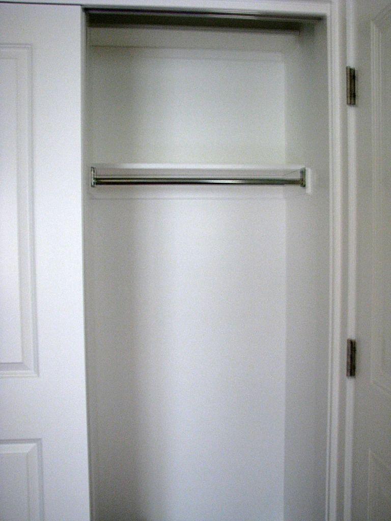 2433 Closet pantry combination