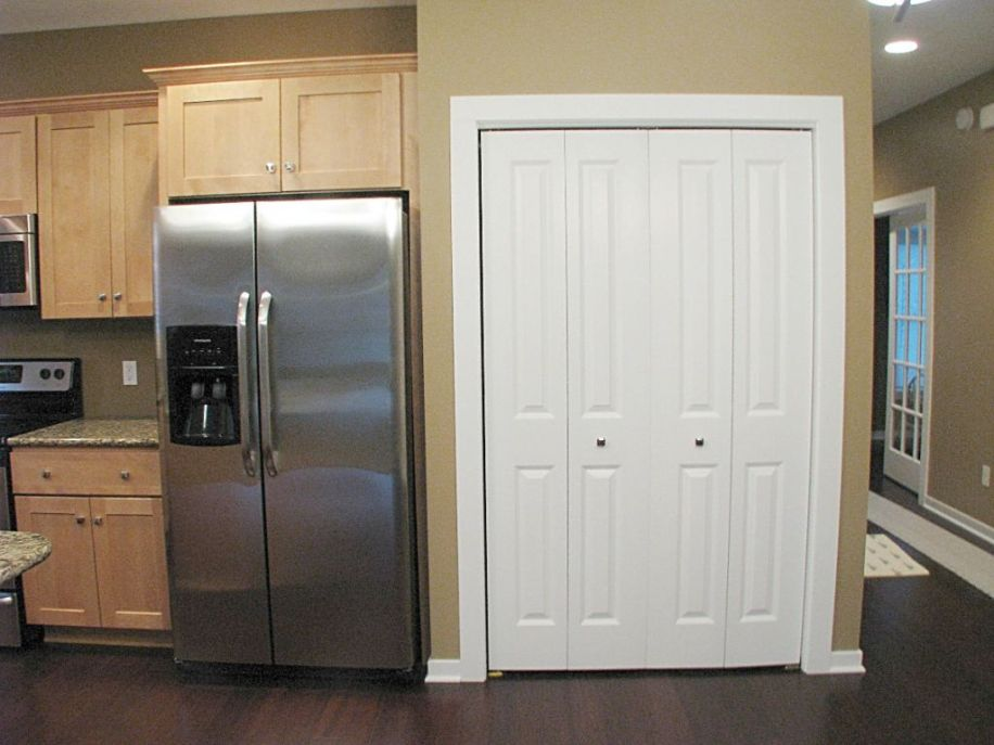 2437 Kitchen with double door refrigerator and closet