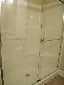 2502 Sliding glass doors on walk-in shower