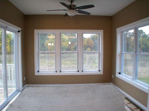 2437 4-Season carpeted room