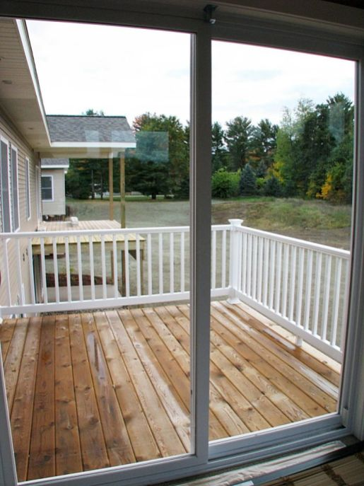 2437 Glass slider from 4-season room to deck