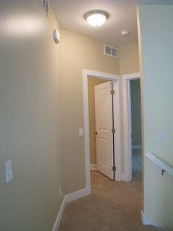 2502 Bedroom hallway