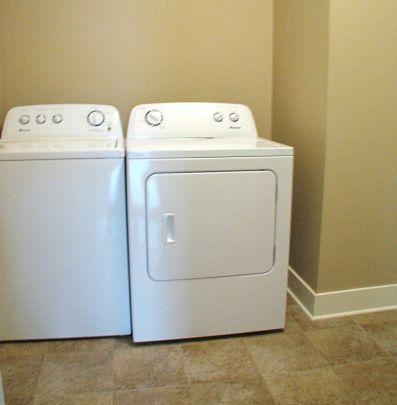 2515 Main level laundry