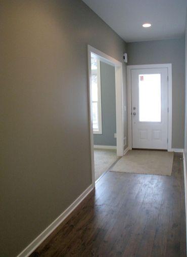 2415 Foyer, Front door