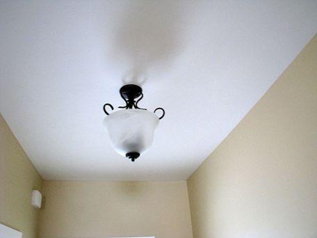 2419 Light in Foyer