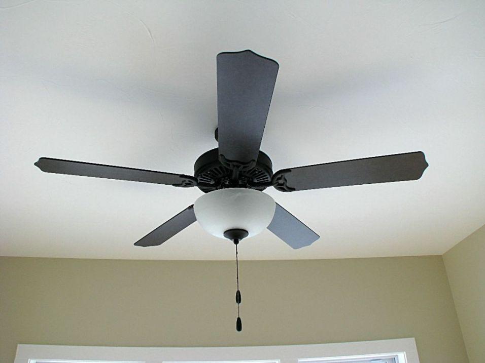 2518 Lighted ceiling fan in 4-season room