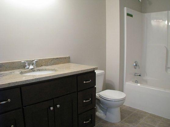2415 Lower level full bath