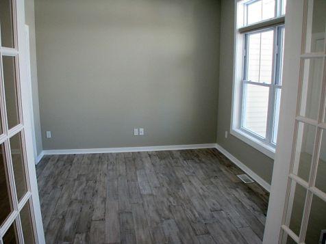 Laminate floor in flex room