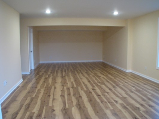 Floor covering, engineered wood, LL family room (3)