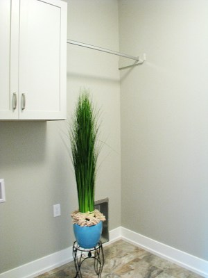 Laundry-hanging bar-Washer-Dryer area