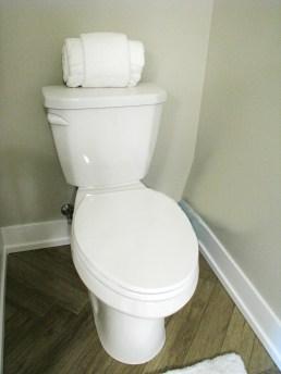 6406 elongated toilet