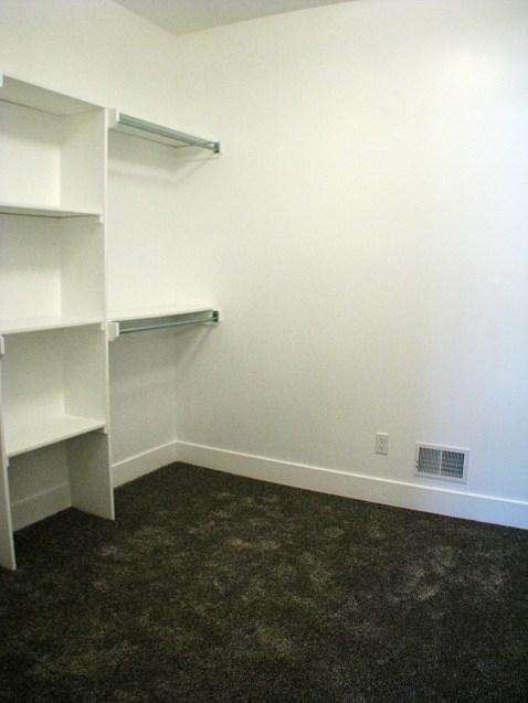 6406 Master bedroom-walk in closet