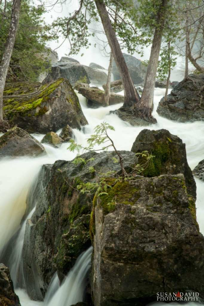 Rushing-Water-between-the-Rocks.jpg