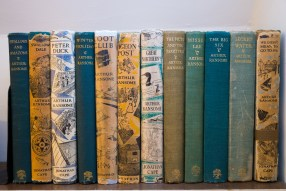 National Trust Susan Guy - Stoneywell - Ransome books (1 w