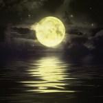2.full_moon_water_640