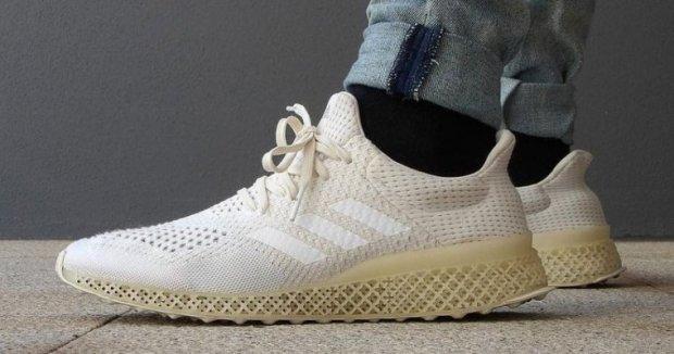 Adidas начала серийное производство кроссовок, изготовленных с помощью 3D-печати