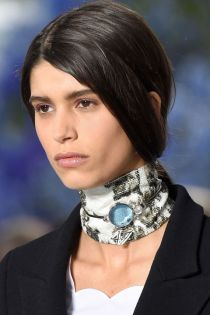 hbz-ss2016-trends-jewelry-collarbone-necklaces-dior-clp-rs16-1701
