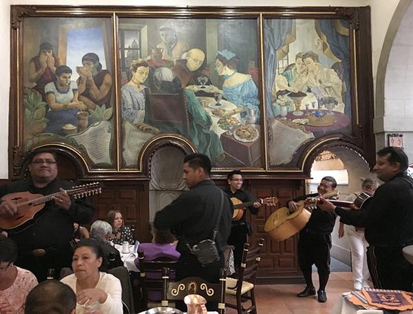 11-restaurant-guitars