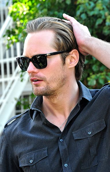 Alexander Skarsgard (pic by Nick Step) [CC BY 2.0 (http://creativecommons.org/licenses/by/2.0)], via Wikimedia Commons