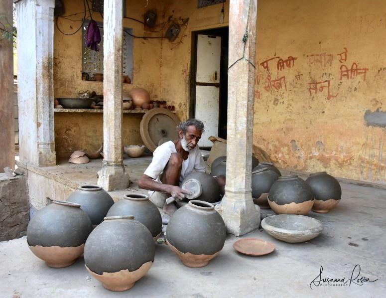 13.Pottery Amber