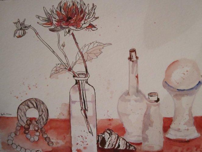 Stillleben mit Chrysantheme - Zeichnung von Susanne Haun - 36 x 48 cm - Tusche und Aquarell auf Bütten