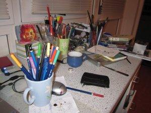 Meine Stifte im Schreibtischchaos - Foto von Susanne Haun