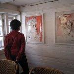 Margit Kröplin vor der Ophelia - Fotos von Susanne Haun
