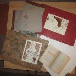 Vorsichtig habe ich schon einmal zwei Zeichnungen aus dem Buch gelöse - Susanne Haun