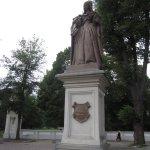 Statue der Kurfürstin Luise Henriette vor ihrem Garten - Foto von Susanne Haun