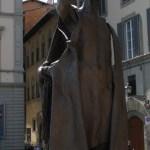 Skulptur am Arno (c) Foto von Susanne Haun