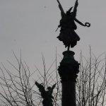 Zwei Engel als östliches Portal zum Park (c) Foto von Susanne Haun