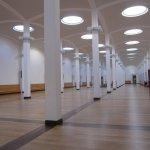Von dieser Halle aus geht es in den einzelnen Gemälderäumen (c) Foto von Susanne Haun