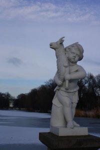 Skulpturen im Schlosspark   (c) Foto von Susanne Haun