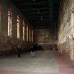 Die Klosterkirche innen - viel Platz für Bilder und Objekte (c) Foto von Susanne Haun