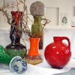Vasen in wilden Farben (c) Foto von Susanne Haun