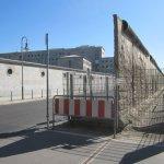 Ein Rest Mauer in der Niederkirchnerstraße Berlin (c) Foto von Susanne Haun